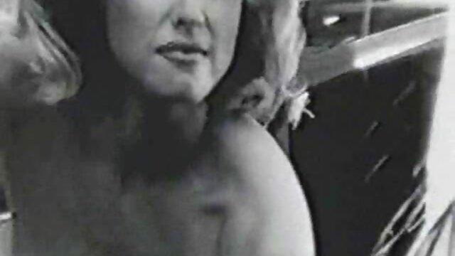 É a primeira vez que faço saladas com sexo com mulher de vestido colegas maduros.